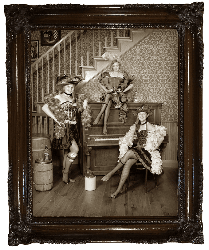 Saloon Girl Photo